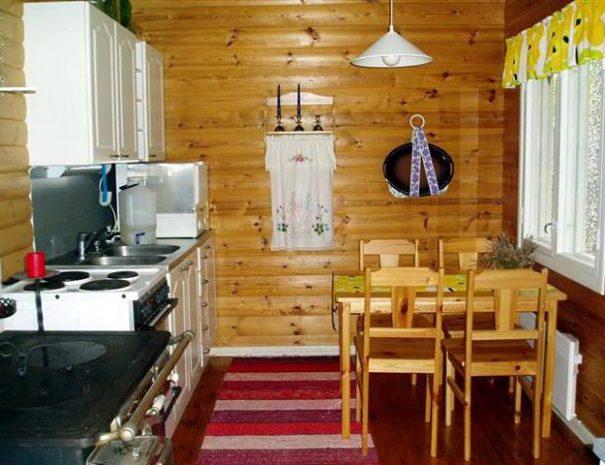 kuuttimaja_kitchen